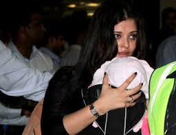 Jaya Bachchan Hot Pics - jaya bachchan says tall girl aaradhya trying to crawl