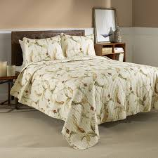 Bahama Bed Set by Bedroom Traditional Tommy Bahama Bedding With Ceam Rugs And Cream