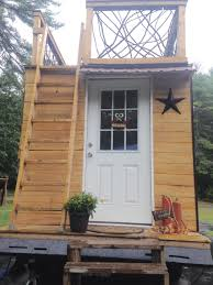 Mini Homes On Wheels For Sale by Tiny House Living On A Budget U2013 10 Inexpensive Small Homes