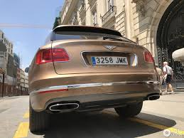 bentley bentayga exterior bentley bentayga 3 june 2017 autogespot
