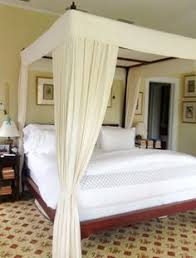 Four Poster Bed Curtains Drapes How To Make A Four Corner Hanging Bed Canopy Bedrooms Dreams