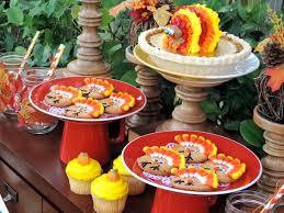 en el jardín para celebrar este thanksgiving decoraciones