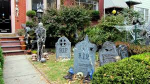 how to decorate your yard for halloween easy diy halloween yard decorations