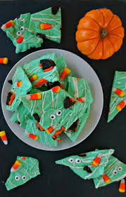 how to make your own spooky monster halloween bark