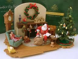 23 large set hallmark family room santa tree