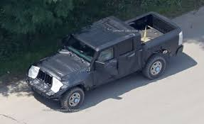 new jeep truck 2018 2018 jeep wrangler pickup truck spied check out the photos