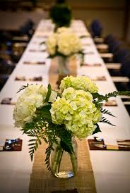 simple wedding flower centerpieces
