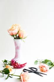 learn how to marble a vase with nail polish