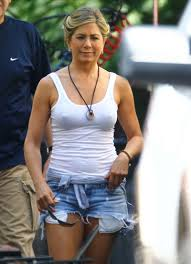 jennife aniston nude jennifer aniston in denim shorts on the set of were the millers in