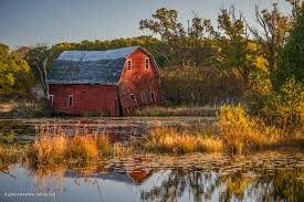 Minnesota travel net images The falling into the water barn in minnesota exploration vacation jpg