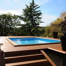 petite piscine enterree la piscine semi enterrée marie claire
