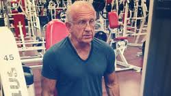 potret para kakek perkasa punya tubuh kekar di usia lanjut