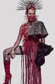 davis wears u0027the hunger games u0027 fashion for capitol