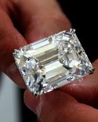 18 carat diamond ring flawless 100 carat diamond on display in dubai nuova york