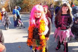 tuesday costumes students show costumes in livermore lewiston sun journal