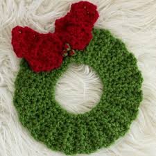 5 free christmas crochet patterns christmas wreaths