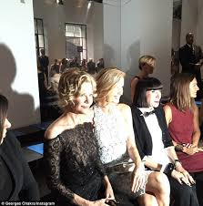 how to cut meg ryan youve got mail hairstyle meg ryan shows off flawless complexion at the georges chakra show in