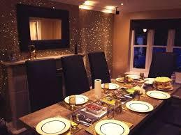 pittura sala da pranzo parete colorata con brillantini home design e ispirazione mobili