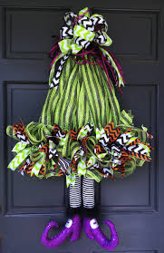 Halloween Wreaths For Sale 2016 Witch Hat With Legs Wreath Tutorial Trendy Tree Blog