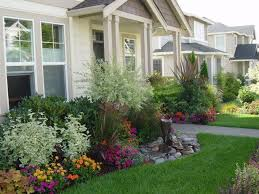 Flowers For Backyard by Front Lawn Flower Bed Ideas