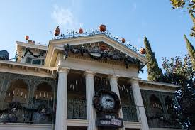 file haunted mansion holiday 28200791541 jpg wikimedia commons