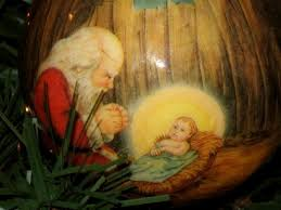 santa kneeling at the manger virginia s such as it is easy christmas decorating on a dime