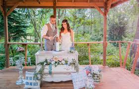 beautiful bohemian and outdoors boho shoot at harmony gardens