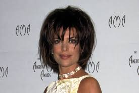 insruction on how to cut lisa rinna hair sytle forget lisa rinna s lips let s relive this actress major style
