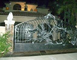 Halloween Outdoor Decorations The 25 Best Halloween Outside Ideas On Pinterest Front Porch