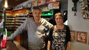 bureau de tabac niort tréméven patron et clients arrêtent le voleur de cigarettes info