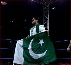 Flag Of Pakistan Pic Pakistani Baadshah Khan Challenges Wwe U0027s Great Khali And Jinder