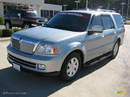 2005 satellite silver metallic lincoln navigator luxury 39431230