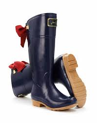 s rubber boots canada 6 stylish boots made for vancouver