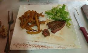 cuisine de mamie bavette filandreuse et frites noires picture of la marmite de