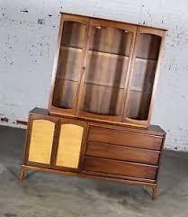 vintage lane mid century modern rhythm china cabinet lighted with
