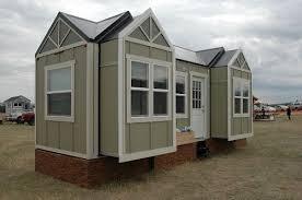 Tiny Houses For Sale In Colorado Tiny Idahomes Tiny House Builders Tiny House On Wheels Rvia Thow