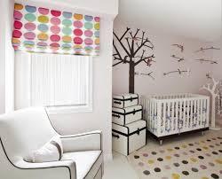 store chambre bébé garçon chambre enfant chambre bébé blanc stores tapis pois déco mur déco