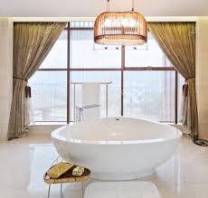 gardine badezimmer badezimmer gardinen nach maß kaufen fensterdeko fürs bad