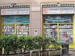 galleria unione 1 libreria esoterica lieu insolite la librairie 罠sot罠rique 罌 milan窶ヲ completementflou