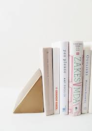 Unusual Bookends Display Your Books In Style U2013 Quirky Diy Bookends