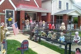 Decorated Homes For Halloween Zombie Halloween Decorations Decorated Houses For Halloween