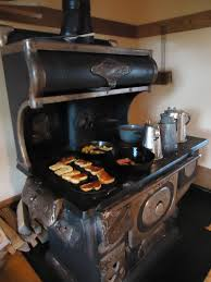 Kitchen Queen Wood Stove by Wood Cook Stove Green Acres Is The Place For Me Pinterest