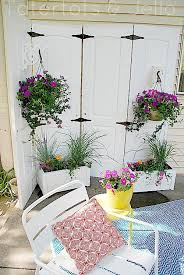 Outdoor Privacy Screens For Backyards Turn Old Closet Doors Into An Outdoor Privacy Screen Garden