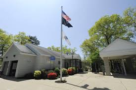 cape cod chamber of commerce lobbies to restore visitors center