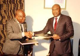 chambre nationale des notaires signature accord de partenariat entre l universite de lome et la