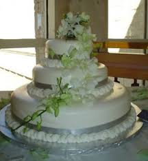 Wedding Cake Edmonton Cakes Find Other Services In Edmonton Kijiji Classifieds