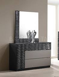 Bedroom Dresser With Mirror 2402 10 Roma Black And Grey Lacquer 5 Pc Bedroom Set Bed