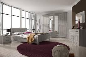 chambre contemporaine adulte chambre adulte complète contemporaine au style épuré