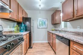 kitchen cabinets grand rapids mi apartments for rent in wyoming mi woodlake