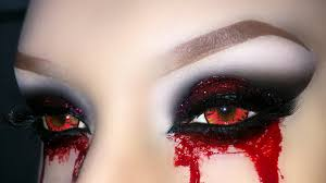 pretty halloween eye makeup vampire demon zombie witch smoky eyes with glitter